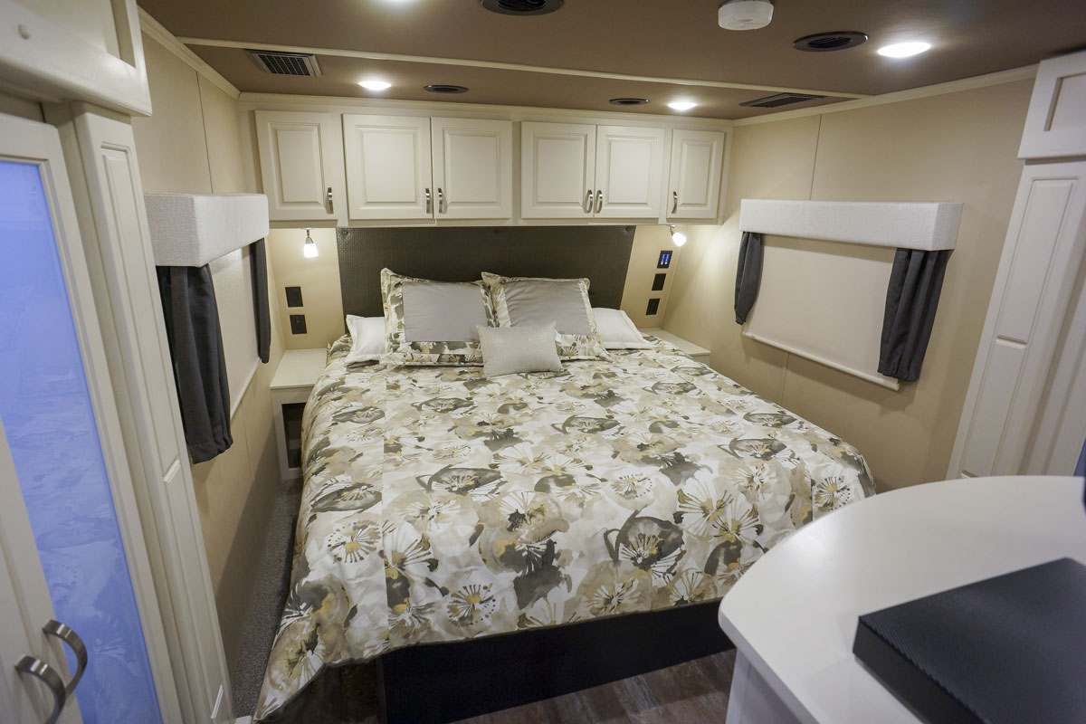 luxury 5th wheel bedroom
