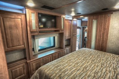 Windows in your Luxury fifth wheel master bedroom